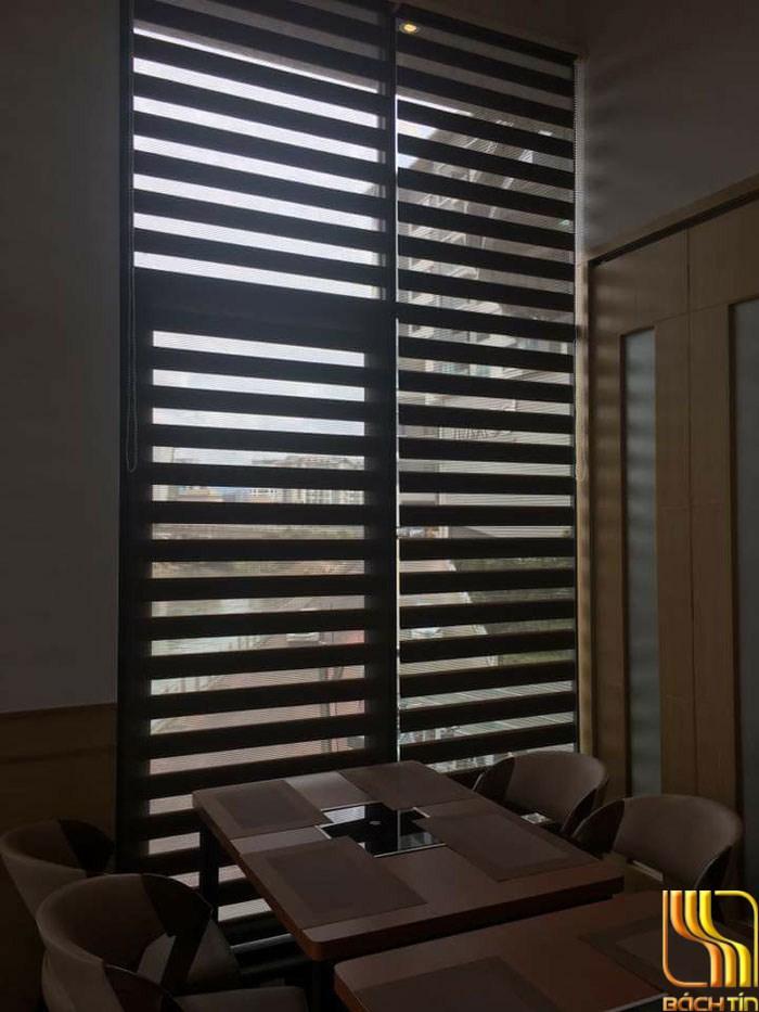 Rèm cầu vồng nâu đậm điều chỉnh ánh sáng dễ dàng ở Đà Nẵng