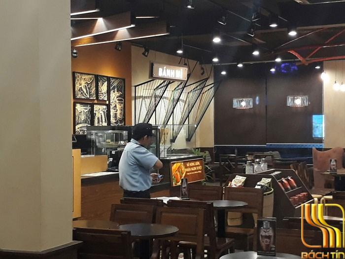 Rèm cuốn cafe Highlands ngắm cảnh ở Đà Nẵng