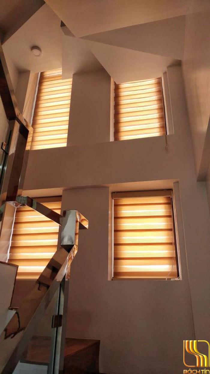 Rèm cầu vồng hai lớp màu nâu cản sáng nhẹ tại Đà Nẵng