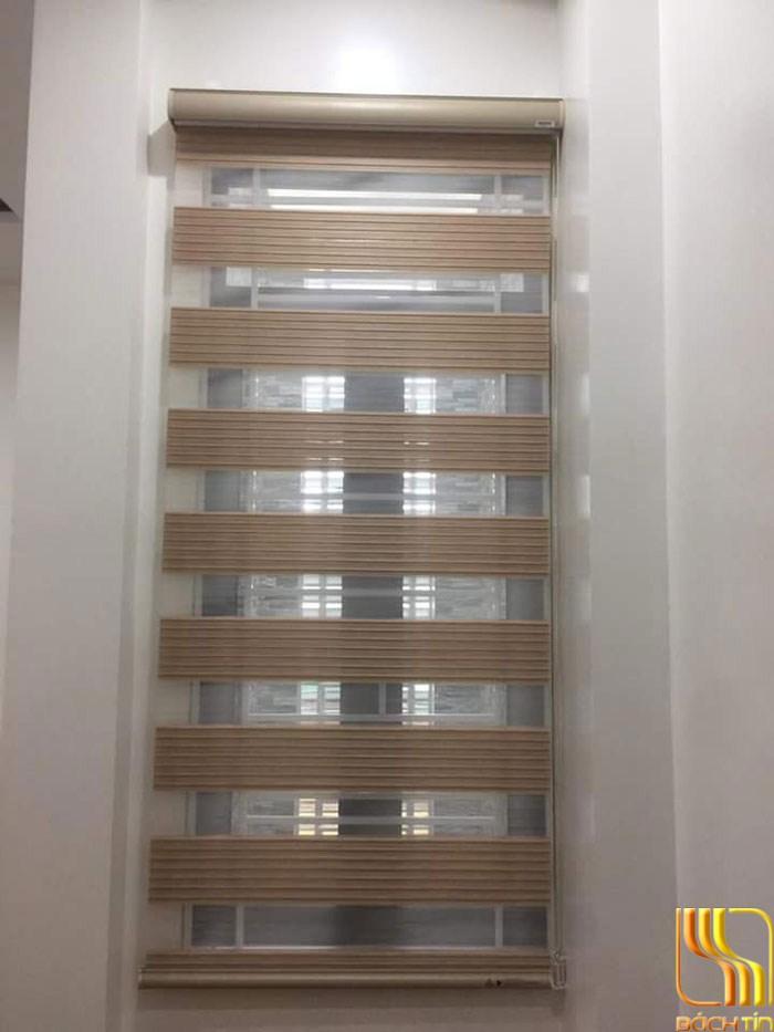 mẫu rèm cầu vồng lắp trong khung cửa sổ phòng khách Đà Nẵng