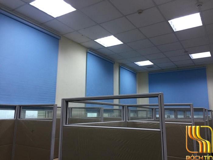 rèm cuốn văn phòng giá rẻ màu xanh ở Đà Nẵng