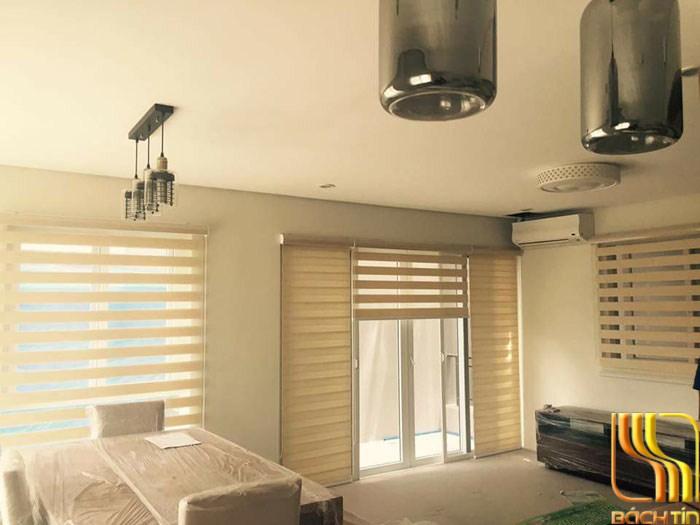 Rèm cuốn 2 lớp trắng kem giá tốt cho phòng khách ở Đà Nẵng