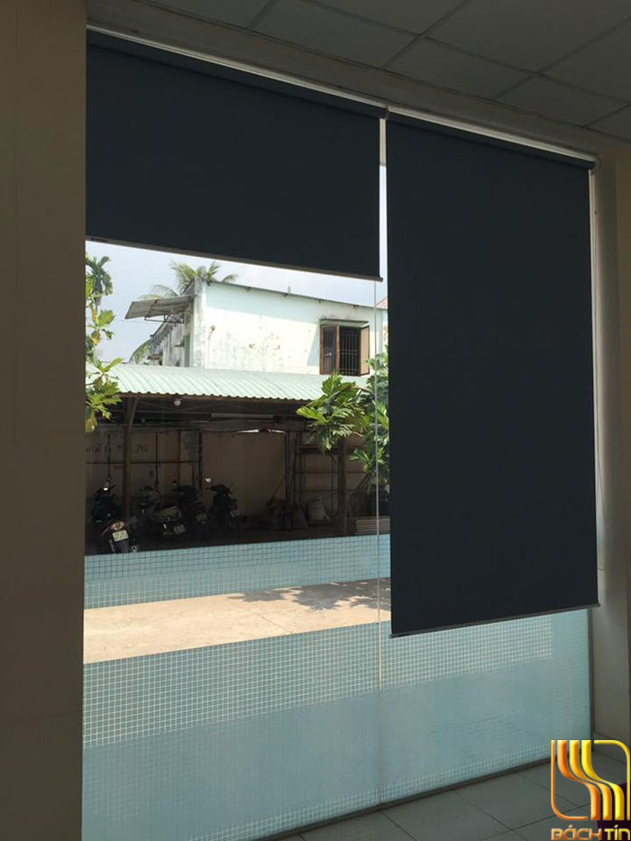 màn sáo cuốn cách nhiệt màu xanh cho vách kính ở Đà Nẵng