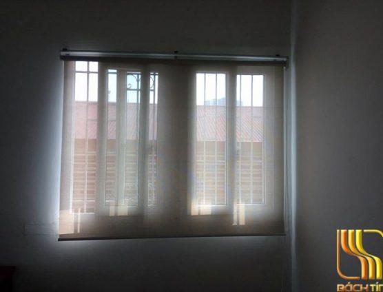 rèm cuốn lưới màu trắng cản sáng nhẹ ở Đà Nẵng