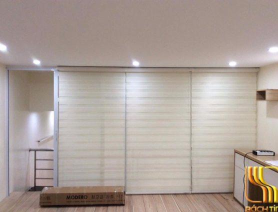 Màn cuốn Hàn Quốc màu trắng cản nắng 75% phòng khách tại Đà Nẵng